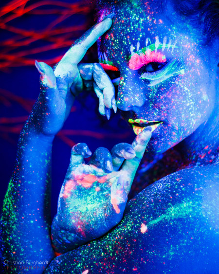 Blau mit Farbe | Tessa