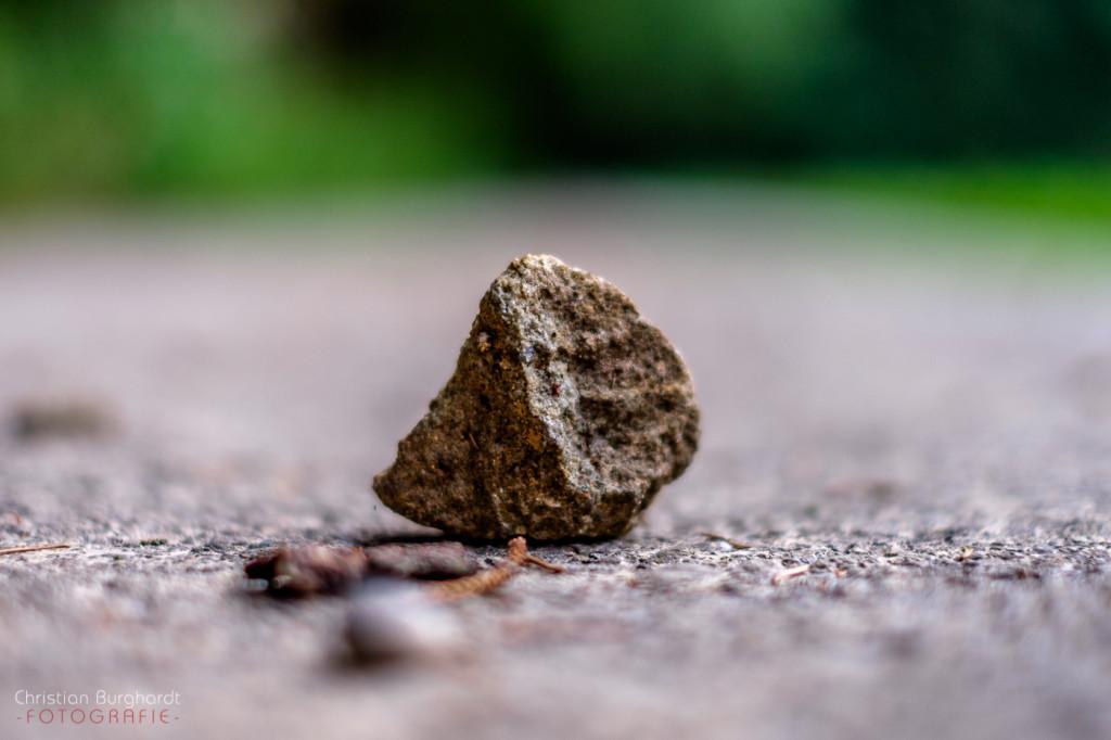 Ein Stein am Weg