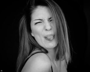 Bernadette Kaspar - black and white - Tageslicht - Fun | Portrait | Fujifilm | X-T1 | 35mm