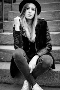 Nicole - black and white | Nürnberg | Portrait | Fujifilm | X-T1 | 35mm