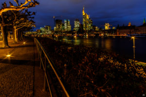 Frankfurt - Mit Weg | Fujifilm | X-T1 | 12mm
