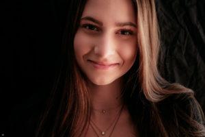 Jessie | Farbe | Portrait | Fujifilm | X-T1 | 35mm